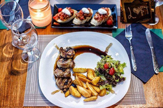 10€ από 20€ για γεύμα 2 ατόμων στο Loft All Day Cafe Bar Restaurant στου Ζωγράφου με ελεύθερη επιλογή από τον κατάλογο φαγητού και ποτού. Το Loft είναι από εκείνα τα μαγαζιά που θα αγαπήσεις από την πρώτη στιγμή και θα γίνει το στέκι για εσένα και την παρέα σου! εικόνα