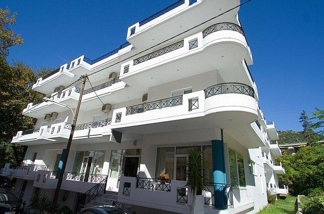 35€ για ένα 2ήμερο (1 διαν/ση) ή 68€ για ένα 3ήμερο (2 διαν/σεις) ή 96€ για ένα 4ήμερο (3 διαν/σεις) ή 149€ για ένα 6ήμερο (5 διαν/σεις), με Πρωινό για δύο (2) άτομα σε δίκλινο δωμάτιο στο Pagona Hotel, στην περιοχή Πλατάνια, πράσινο και ήσυχο μέρος της Λουτρόπολης της Αιδηψού! Early check in-Late check out και ΔΩΡΕΑΝ διαμονή ενός παιδιού έως 12 ετών!!