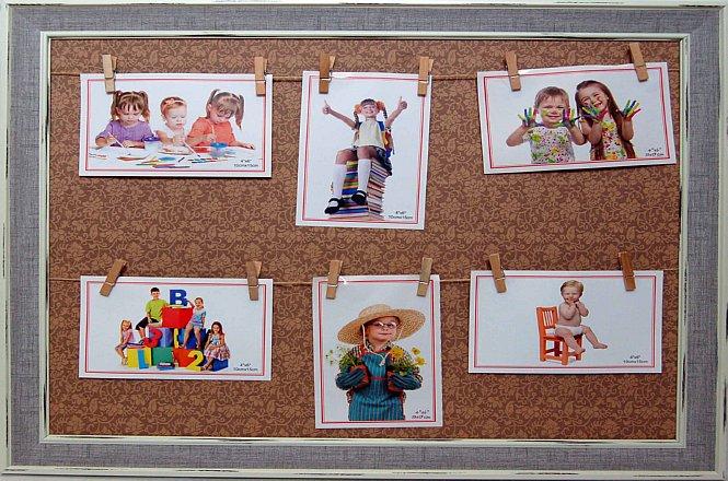 15€ για Πρωτότυπη κορνίζα φωτογραφιών ΧΩΡΙΣ ΤΖΑΜΙ με διαστάσεις 56εκ χ 46εκ ή 20€ για Πρωτότυπη κορνίζα φωτογραφιών ΧΩΡΙΣ ΤΖΑΜΙ με διαστάσεις 34εκ χ 64εκ για 5 ή 6 φωτογραφίες αντίστοιχα που τις κρεμάτε με μανταλάκια μέσα στη κορνίζα. Μια προσφορά από την Raferi Digital.