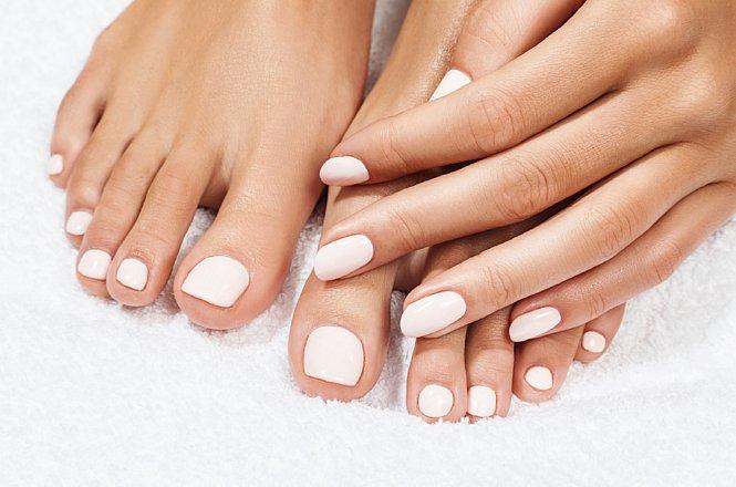 9€ από 15€ για ένα (1) ολοκληρωμένο ημιμόνιμο manicure ή 13€ από 19€ για ένα (1) spa pedicure, στο πανέμορφο χώρο του