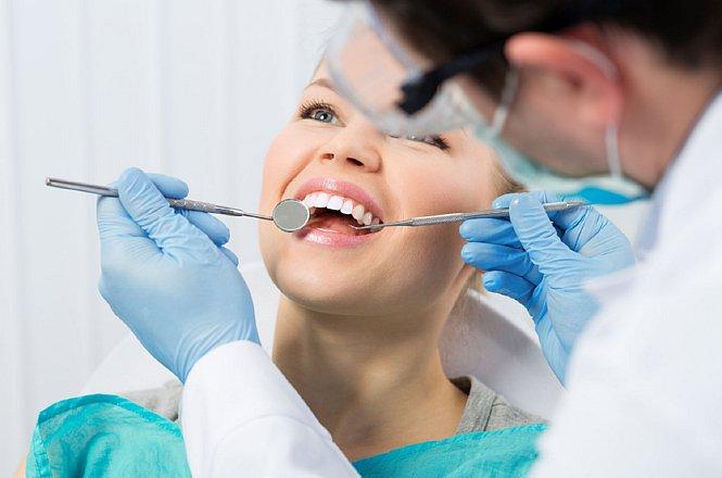 55€ για λεύκανση δοντιών με χρήση λάμπας LED & καθαρισμό δοντιών & πλήρη στοματικός έλεγχο από Οδοντίατρο στην Νέα Ιωνία. εικόνα
