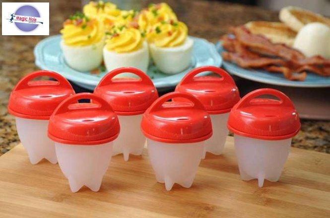 5.90€ Σετ 6 Τεμαχίων Αντικολλητικά Σιλικόνης για Βράσιμο Αυγών από το Magic Hole στην Αθήνα ή 8.90€ πανελλαδική αποστολή στο χώρο σας. Απλώς σπάστε το αυγό και ρίξτε το περιεχόμενο του στο σκεύος, βράστε το όπως θα κάνατε κανονικά και μέσα σε λίγα λεπτά έχετε έτοιμα βραστά αυγά χωρίς κέλυφος! εικόνα