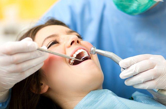 17€ για καθαρισμό δοντιών που περιλαμβάνει αφαίρεση πλάκας, πέτρας & χρωστικών κηλίδων με μηχάνημα υπερήχων και στίλβωση δοντιών με ειδική πάστα. Επιπλέον πλήρης στοματικός έλεγχος και λεπτομερείς οδηγίες στοματικής υγιεινής, από Χειρουργό Οδοντίατρο στην Νέα Ιωνία. εικόνα